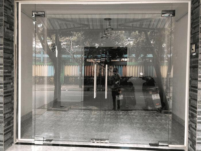 Cửa kính lắp đặt tại Quận Tân Bình, TpHCM.