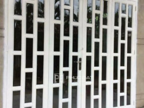 Mẫu cửa đẹp lắp đặt tại TPHCM.
