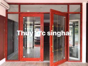 Cửa thủy lực khung nhôm Singhal với tính thẩm mỹ cao, sang trọng, hiện đại.