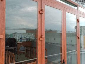 Cửa nhôm Window cao cấp giả gỗ.