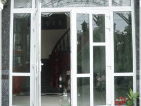 Mẫu cửa nhôm chia ô màu trắng đẹp.