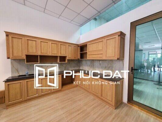 Tủ bếp cao cấp làm từ nhôm nội thất hợp kim - Sản phẩm hiện được trưng bày tại showroom Phúc Đạt.