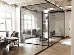 Vách kính khung sắt văn phòng