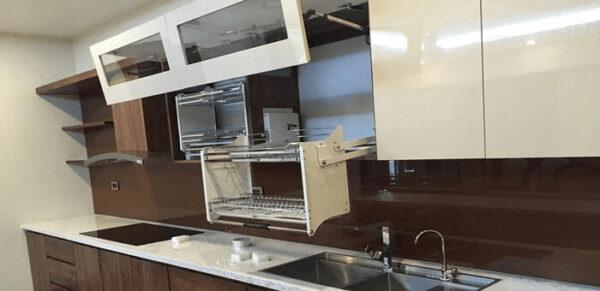 Tìm hiểu cấu tạo tủ bếp hiện đại sử dụng các loại phụ kiện thông minh